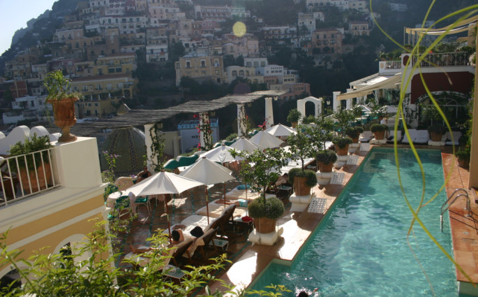 Le Sirenuse pool view