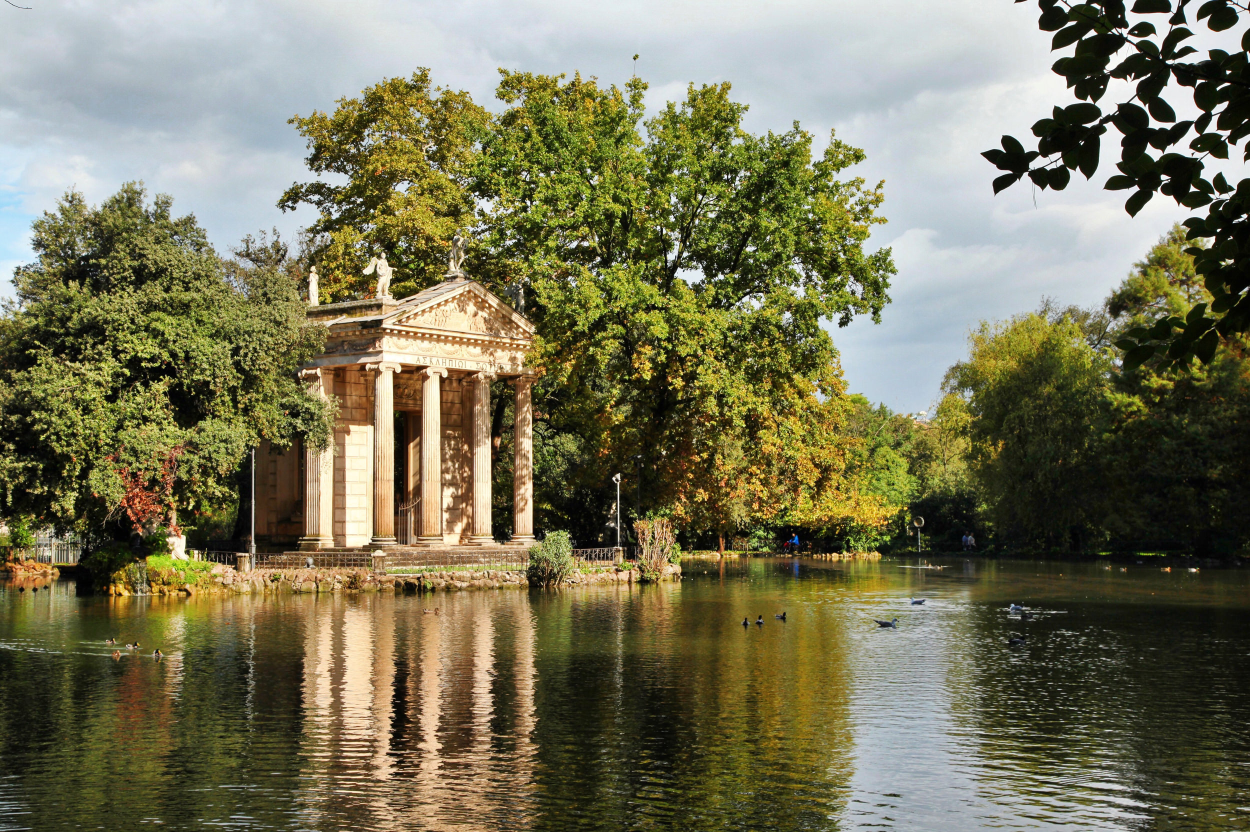 Get Away From The Crowds In Rome Take A Walk In The Park