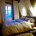 Camellas-Lloret summer cabin bed
