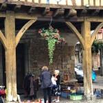 Mirepoix, Languedoc shoppers