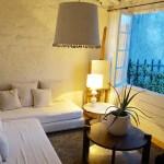 Camellas-Lloret summer cabin sitting room