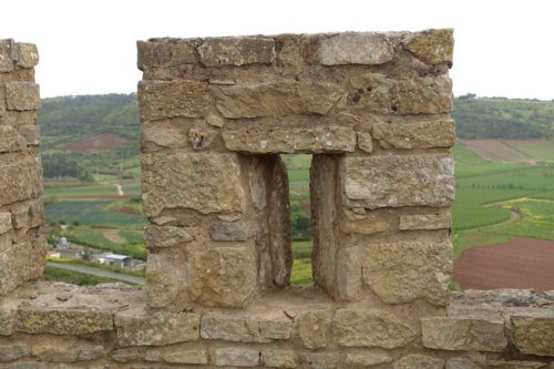 Obidos castle arrow slot
