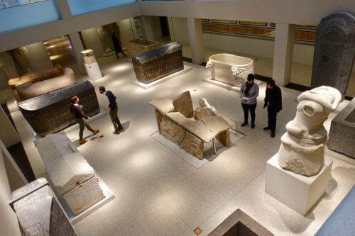 Neues Museum visitors