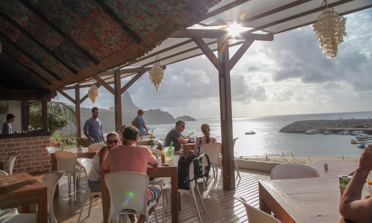 Restaurant Mergulhão view