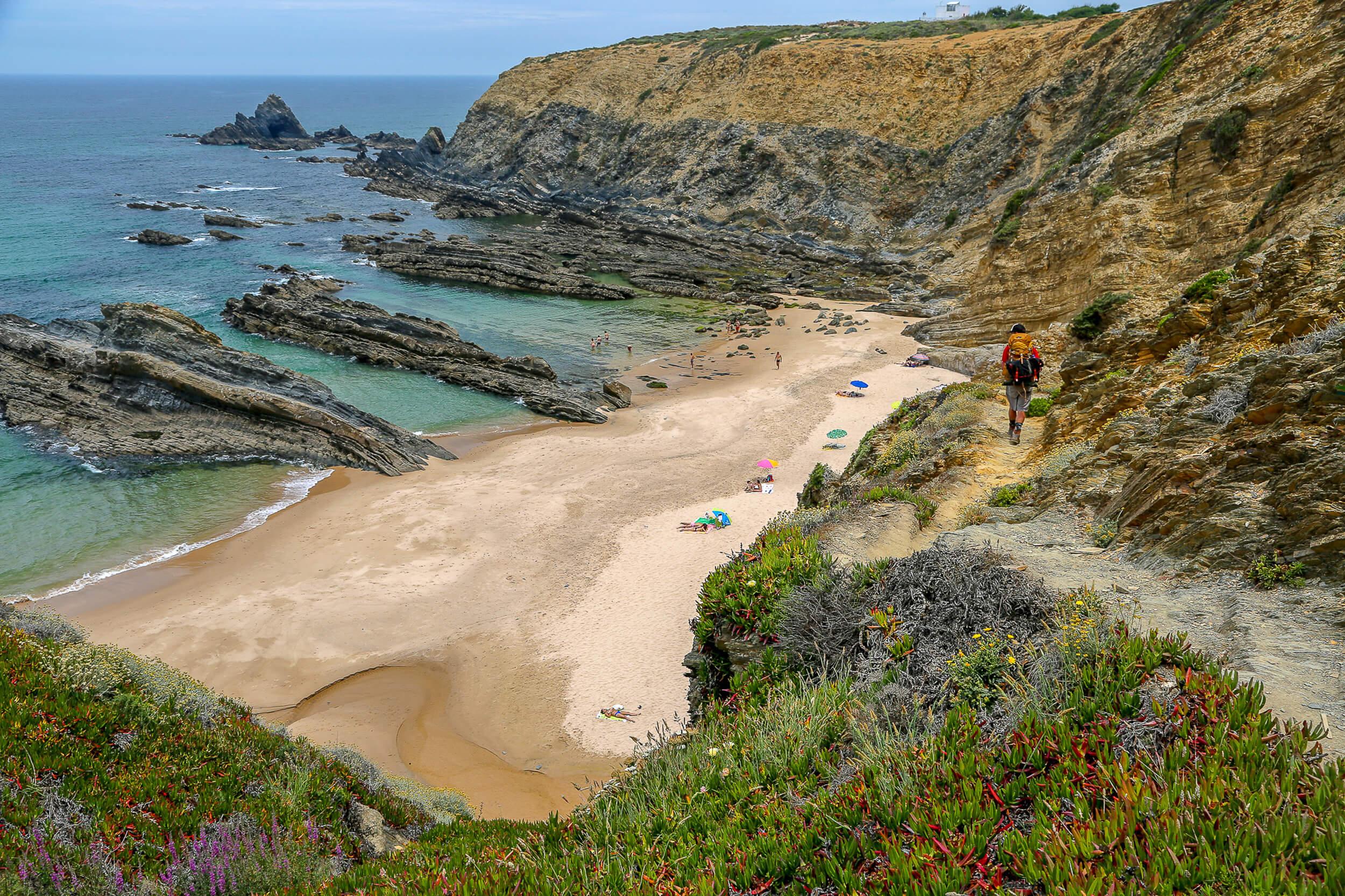 Praia dos Alteirinhos path