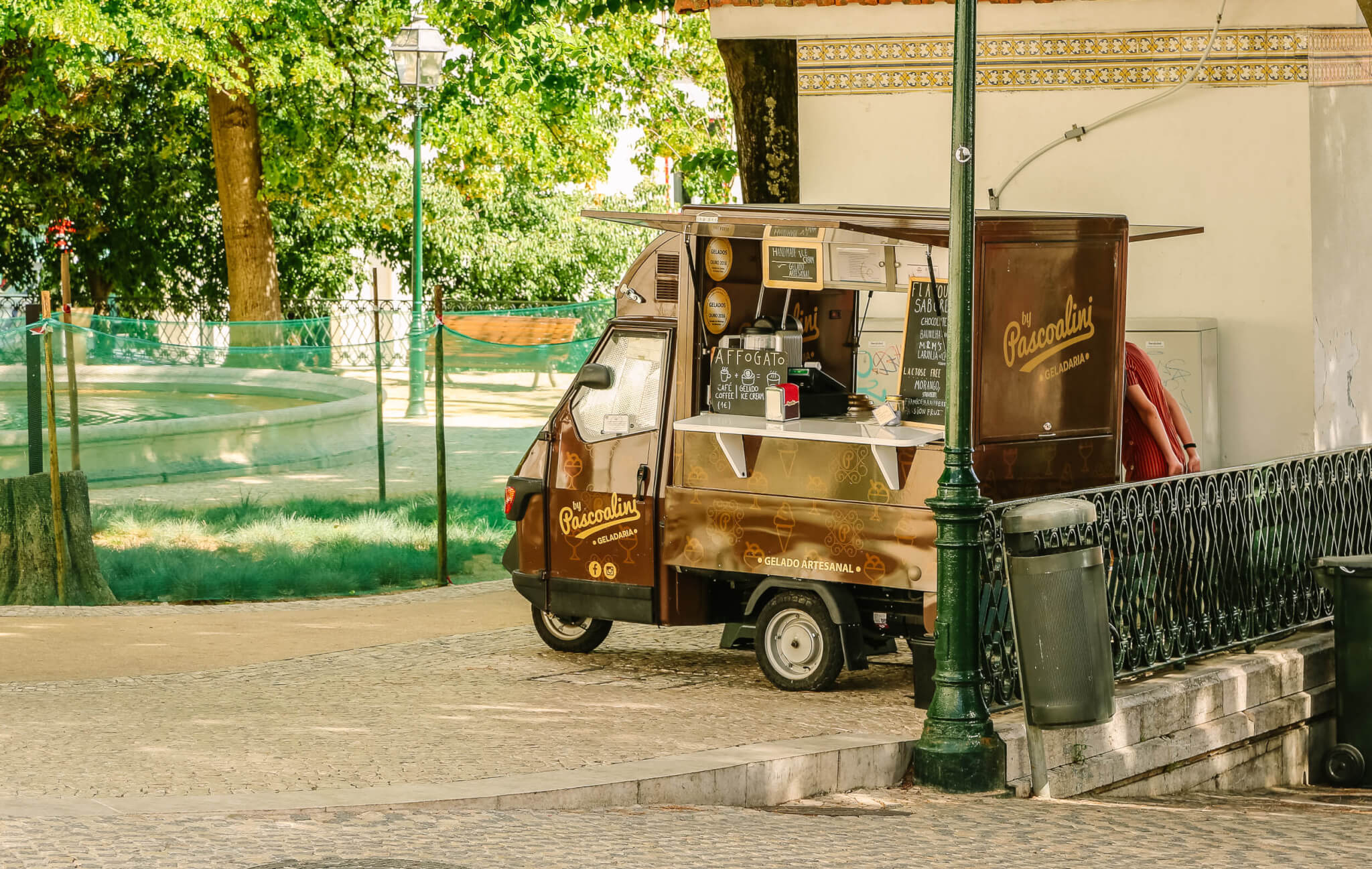 Lisbon coffee cart