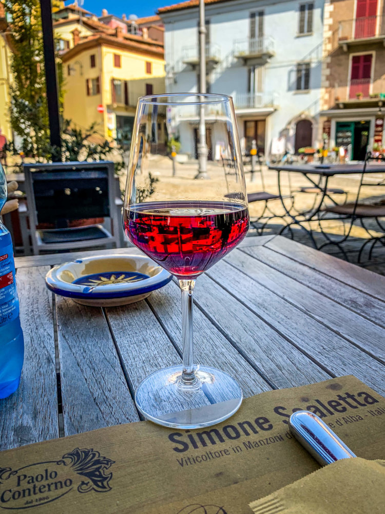 Grappolo D'oro wine glass with view