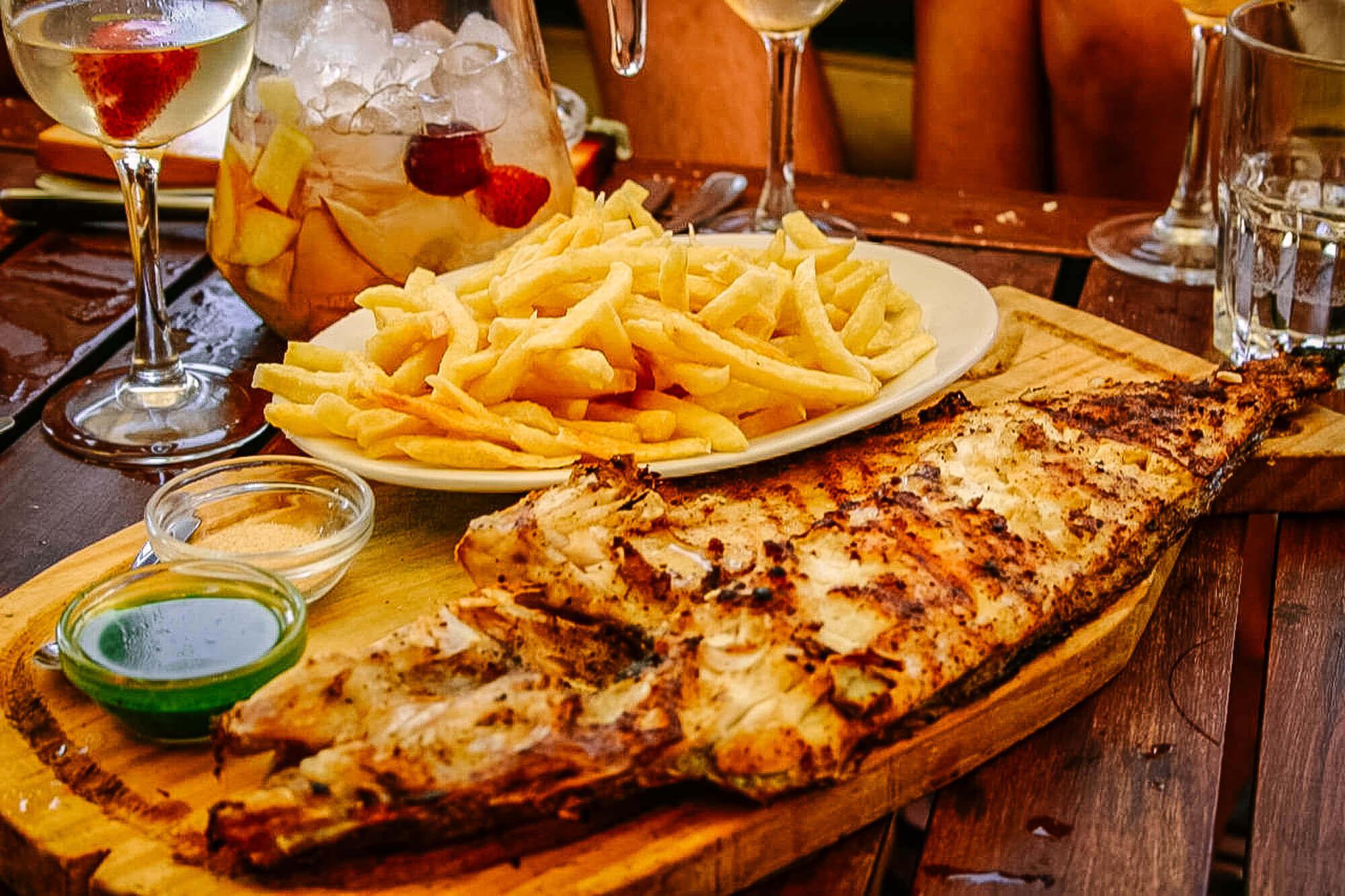 grilled fish and clerico Parador La Huella