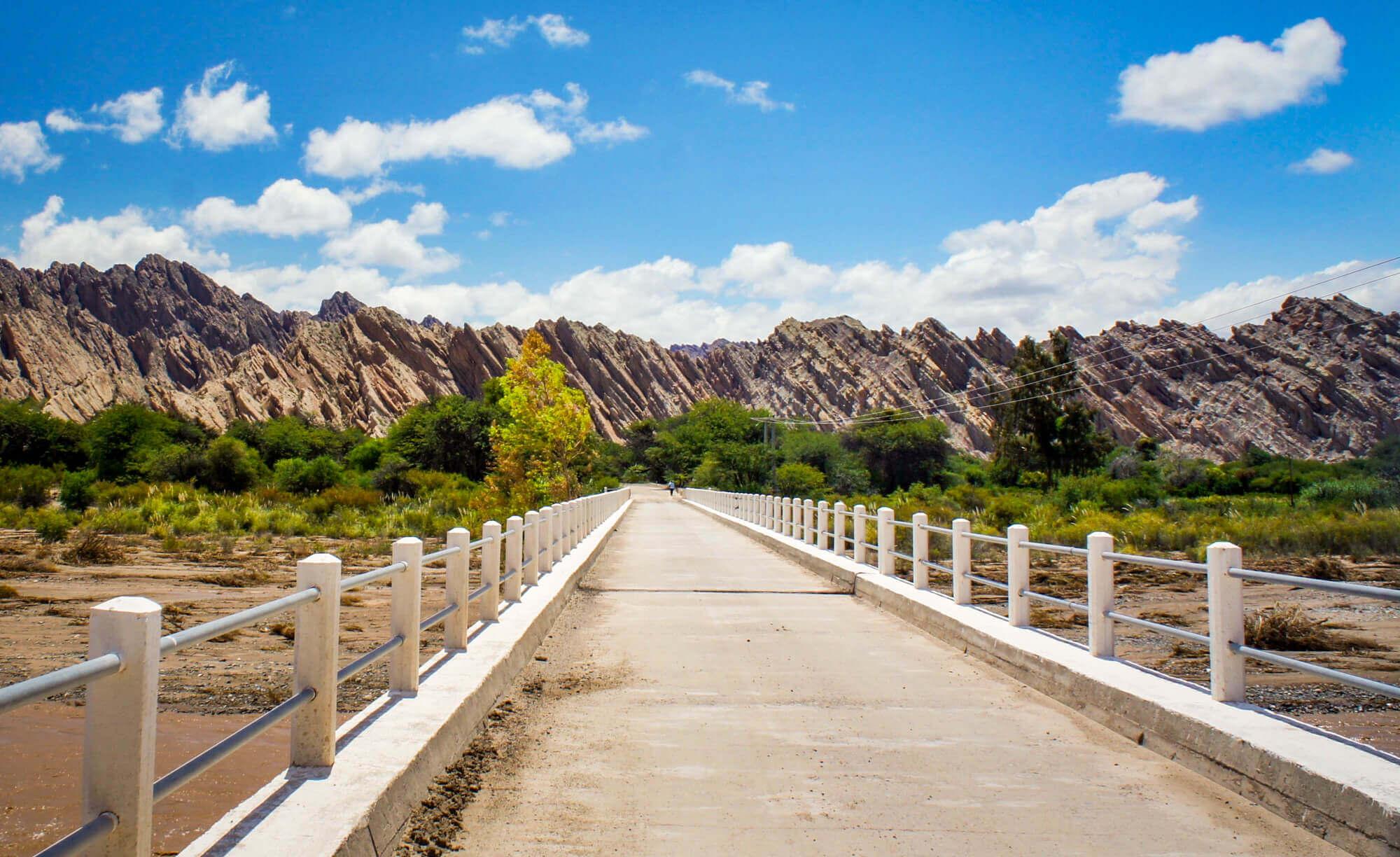 Bridge approaching Quebrada de las Flechas