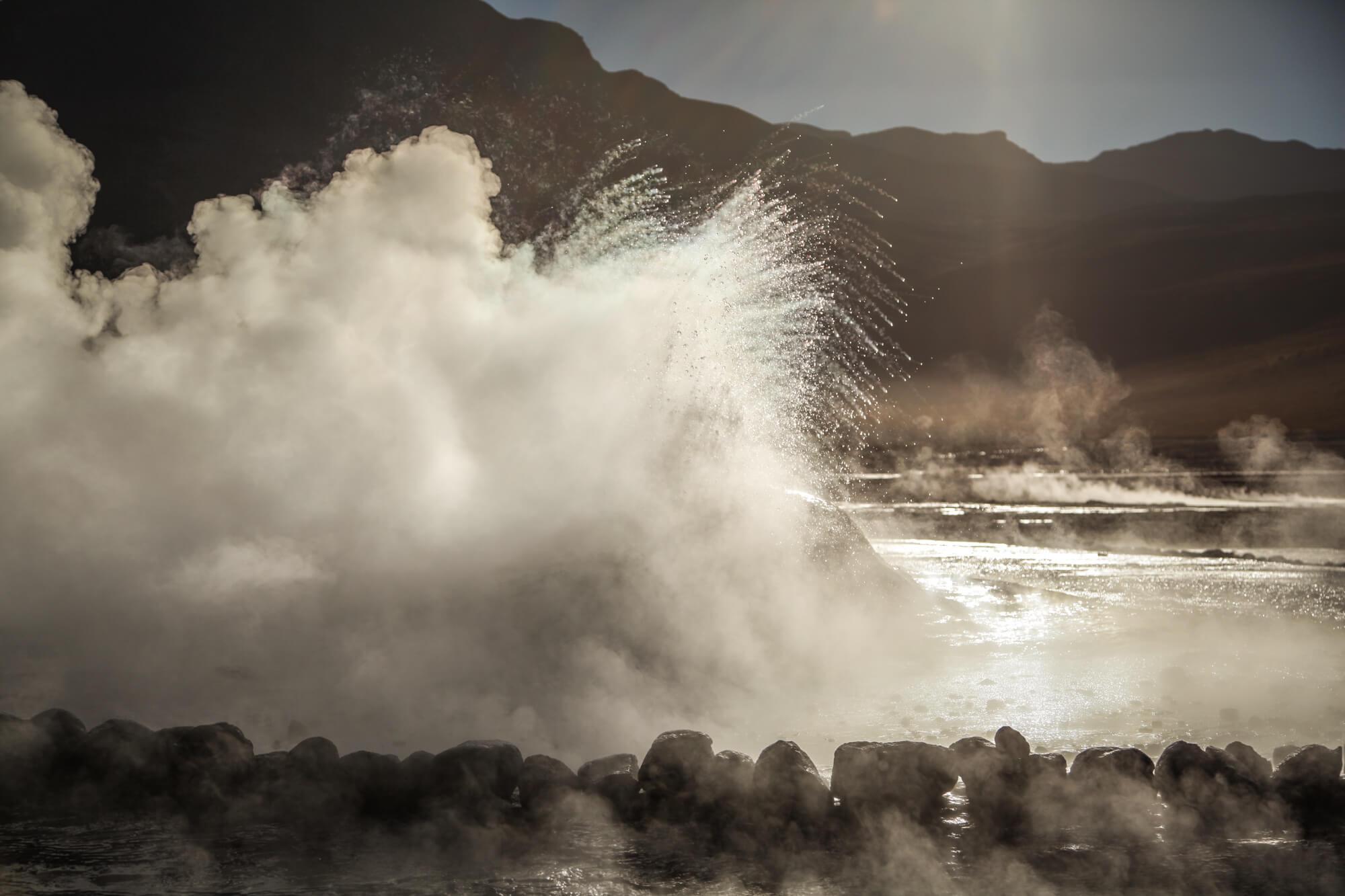 geysers exploding El Tatio